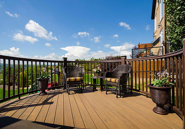 Round deck creates the multilevel deck design.